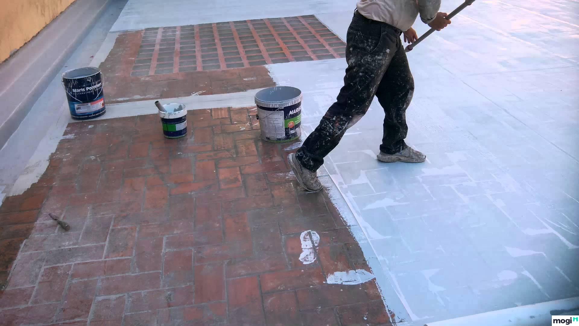 Quét sơn chống thấm lộ thiên trên nền gạch cũ