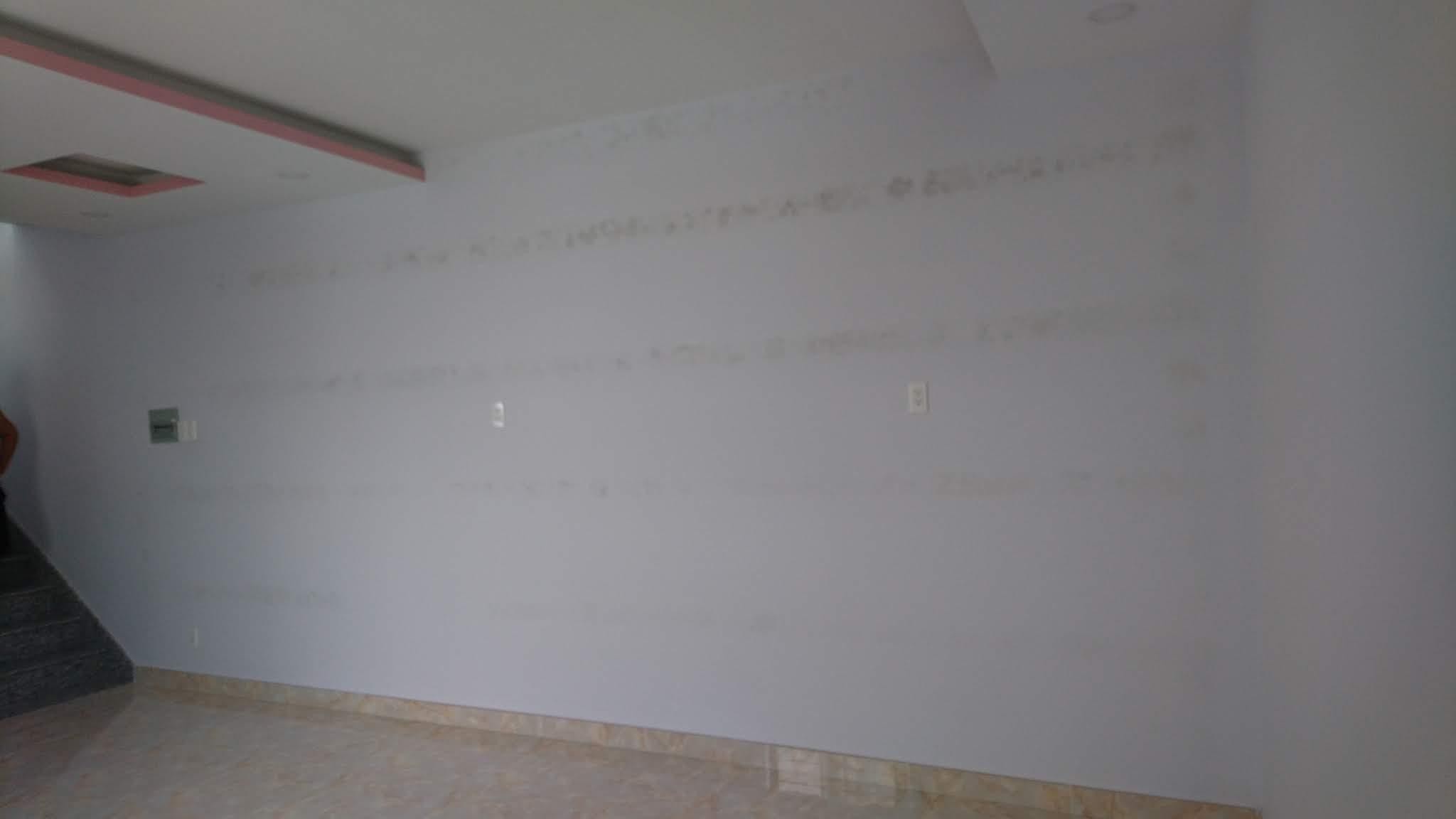 Làm sao xử lý tường nhà ố vàng