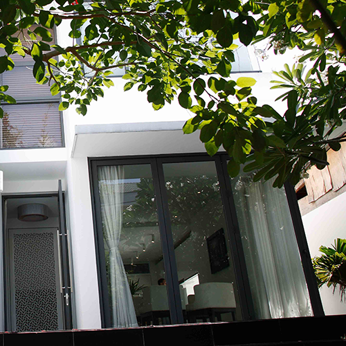 Repair and maintain the aluminum glass door systems