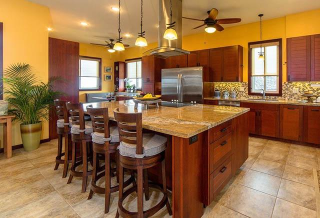 Mẫu thiết kế phòng bếp cổ điển kết hợp hiện đại