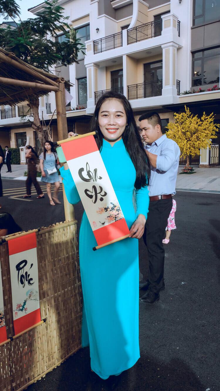 Nhan vien cong ty Doctor Home tham gia hoi hoa xuan tai Verosa Park Khang Dien Quan 9 TPHCM